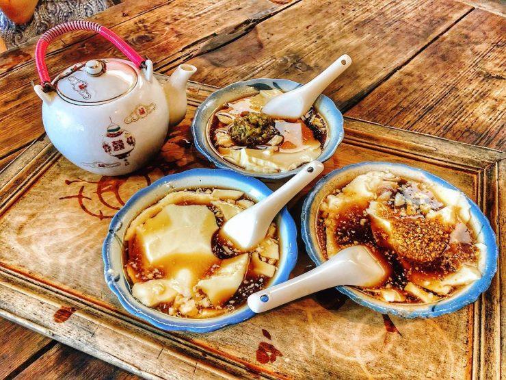 這張圖片的 alt 屬性值為空,它的檔案名稱為 西嶼美食-二崁二馬豆花-penghu_yasinzhan-IG.jpg